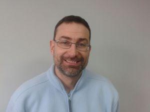 Héctor Gómez es el gerente del Hospital Veterinario Abros